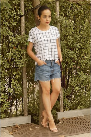 white checkered Impulse shirt - periwinkle denim Levis shorts