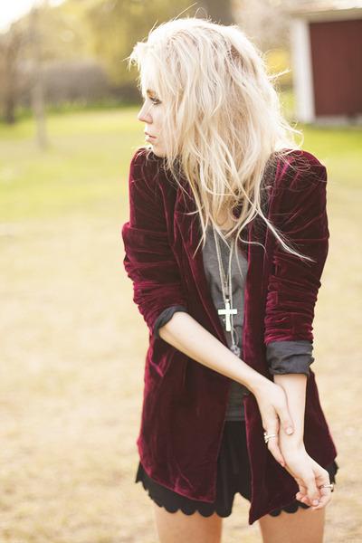 crimson velvet wine romwe jacket - black romwe sunglasses