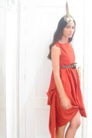 red Boret dress - brown LeLn accessories