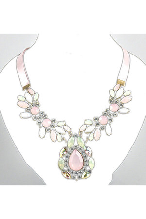 Jewels necklace - Statement PIeces accessories - necklaces accessories