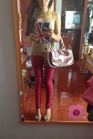 hot pink Louis Vuitton bag - ruby red pull&bear jeans
