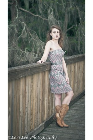 camel cowboy Dingo boots - light pink Tillys dress