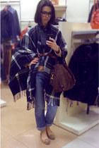 violet denim jeans calvin klein jeans - trf Zara jacket - camel logg H&M sweater