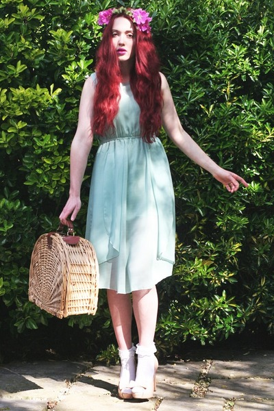 mint midi dress - picnic basket bag - lace trimmed socks - accessories