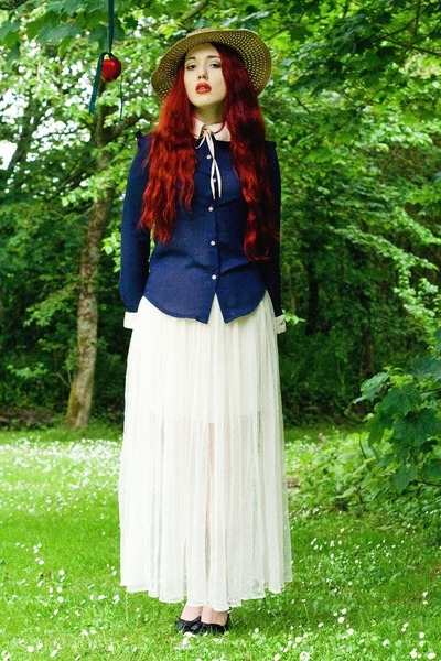 straw hat - netted skirt - navy blue blouse