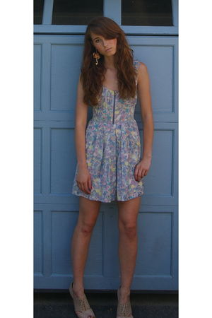 blue Urban Outfitters dress - beige Forever 21 shoes - beige Topshop earrings -