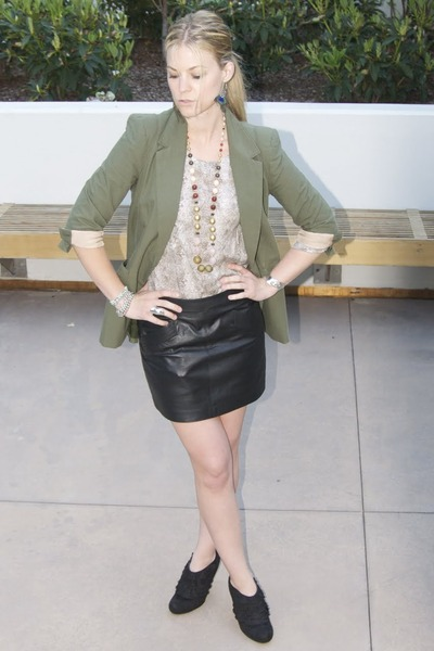 dark green Elizabeth and James blazer - black Zara skirt