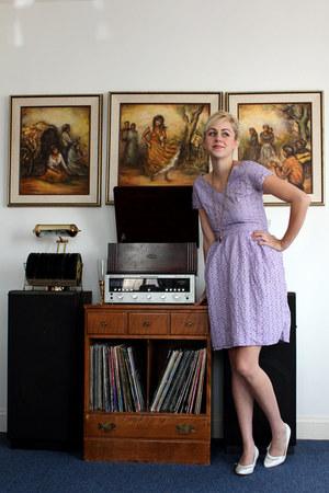 white vintage shoes - light purple vintage dress - gold vintage necklace