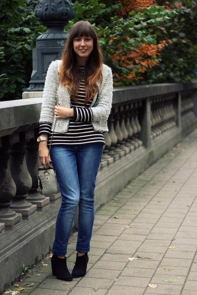 off white Zara jacket - black booties Bershka boots - navy denim Zara jeans