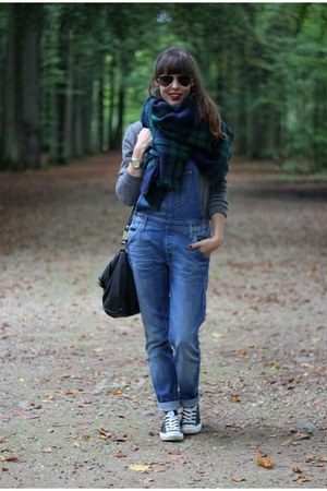 dark green oversized Zara scarf - heather gray cashmere c&a sweater