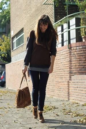 brown leopard essentiel wedges - navy skinny G-Star jeans