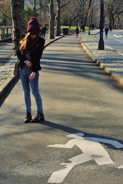 black studded Sacha boots - blue skinny Levis jeans - magenta beanie Zara hat