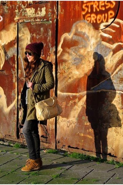olive green parka BDG jacket - magenta beanie Zara hat