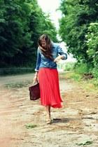 ruby red pleated vintage skirt - blue denim H&M shirt