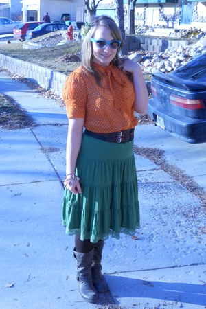 orange bow collar downeast blouse - green Weavers Girl skirt