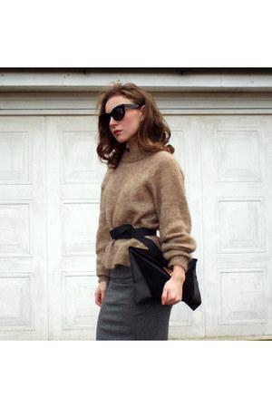 camel H&M jumper - black asos sunglasses - black new look belt
