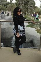 black cotton on shirt - blue supre skirt - black cotton on leggings - black scar