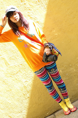 hot pink leggings - carrot orange t-shirt