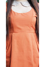 Beige-flatterbuy-necklace-carrot-orange-primadonna-dress