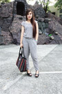 Black-tignanello-bag-dark-gray-zara-suit