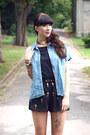 Black-sheinside-shorts-blue-vintage-denim-blouse-black-zara-heels