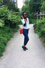 Black-pull-bear-shoes-navy-comptoir-des-cotonniers-jeans-red-chanel-bag
