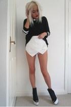 Ebay shorts - Primark t-shirt - H&M heels