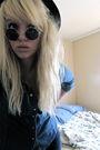 Shirt-hat-sunglasses