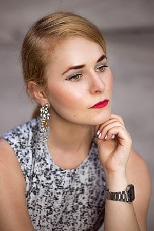 teal H&M dress - hot pink earrings - black wedges
