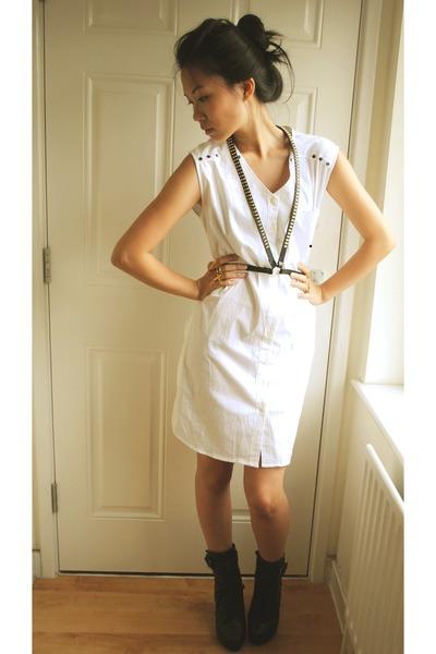 black worn as harness H&M belt - white Alexander McQueen dress