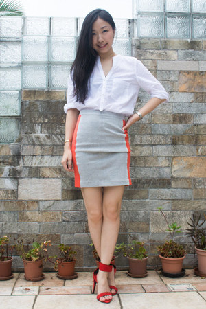 carrot orange panel skirt Club Monaco skirt - red ankle strap Zara sandals