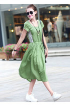 Large Size Loose Leisure Medium Style Temperament Dress, Green