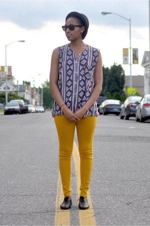 Fedora hat - oxfords shoes - HUE leggings - prints thrifted vintage top