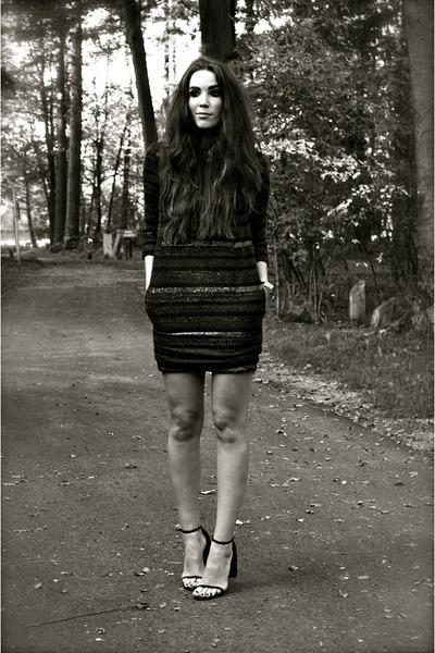 black cape Alexander Wang heels