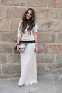 Beige-antonio-pernas-dress-black-mango-bag