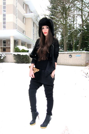 black ankle COS boots - black leather Muubaa jacket - black Zara pants