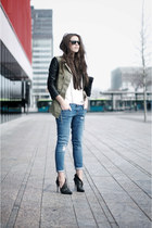 coat - ankle high jeans - zipper Balmain heels