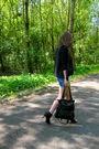 Black-zara-boots-blue-zara-shorts-white-zara-t-shirt-black-queens-wardrobe