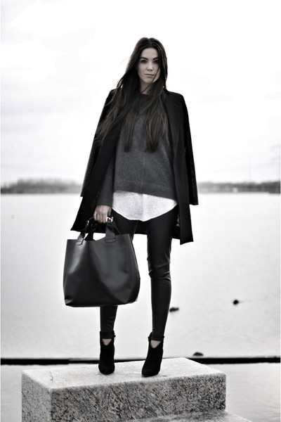 black pointed toe boots - gray sweater - black leather sleeves romwe blazer