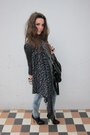 Black-warehouse-jacket-gray-urban-outfitters-scarf-blue-vila-jeans-black-t