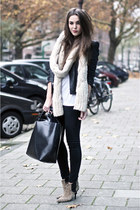 beige knitted chunky scarf - beige ankle boots - black black jeans