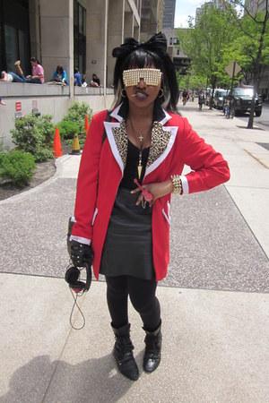 CHRISTINA WALTHALL ring - miz mooz boots - blazer