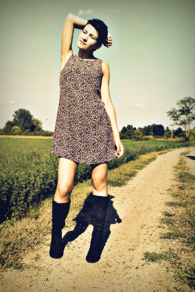 floral dress dress - velvet boots