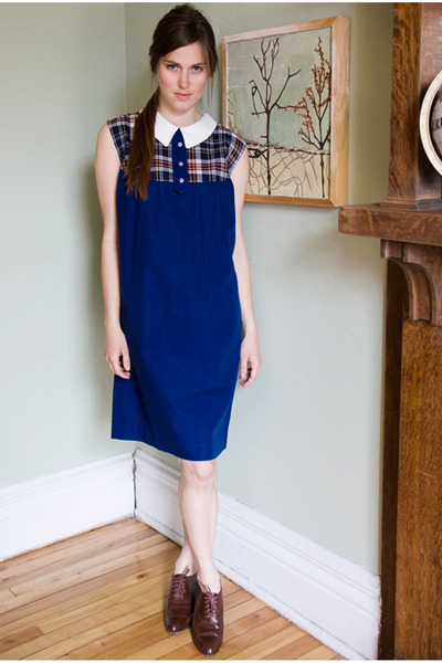 brown vintage shoes - blue pinafore dress Caesar Pony vintage dress