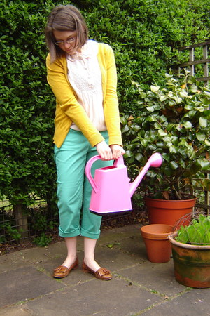 green Uniqlo jeans - mustard H&M cardigan - Topshop blouse - Topshop loafers