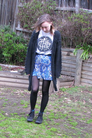 blue Mink Pink skirt - white TWLOHA t-shirt - black Converse sneakers