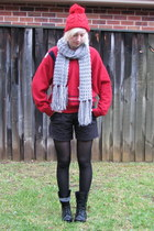 black combat boots - red beanie hat - red wool sweater - heather gray scarf