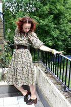 gray vintage 70s dress - brown Buffalo shoes - brown belt