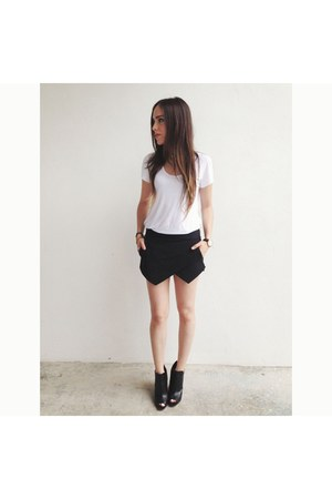 black Zara shorts - black Zara heels