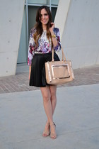 light pink leather Aldo bag - black pleated leather Forever 21 skirt